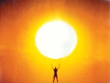 Con poder para agarrar el sol ...